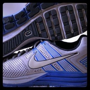 Blue/Grey Nike Zoom Tennis Shoes/Sneakers